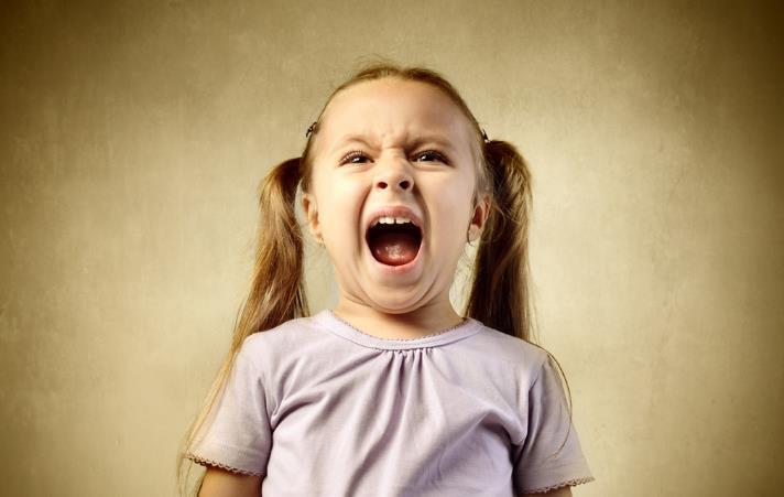 孩子不听话打一顿就好了?教育专家:打骂只会让孩子更小心地犯错