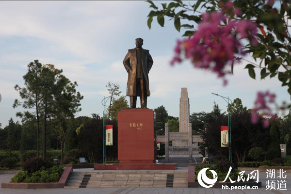 """军民鱼水情感动国际友人:""""只有红军真心为人民抗洪"""""""