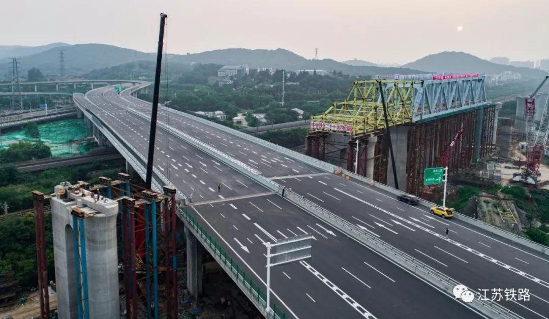 连淮扬镇铁路又一重大工程节点顺利完成!