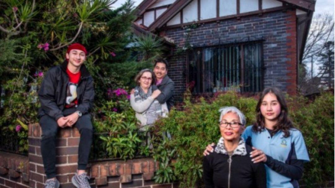 澳洲一套三居室住着6口人,毫无隐私!儿子:因为我买不起房子