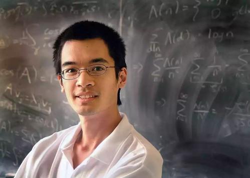 天才神童,14岁上大学,17岁读博,24岁成教授!