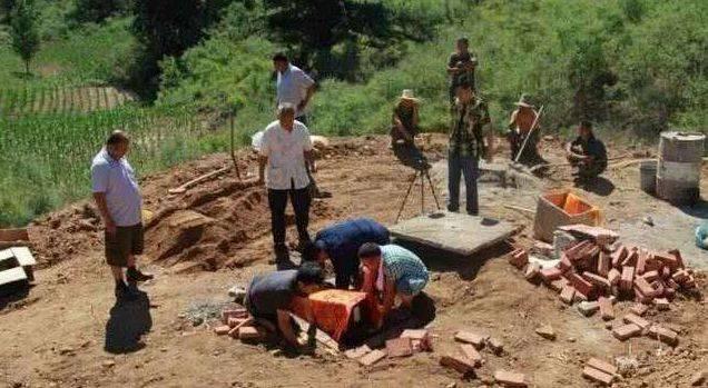 腐敗 土葬