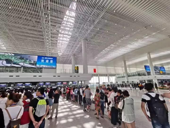 【揭秘!小编带你体验南通机场新候机楼!】