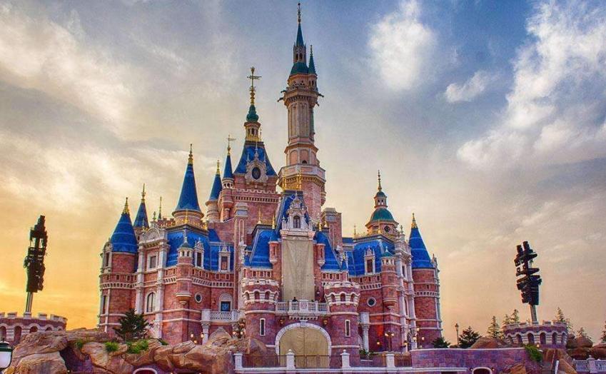 越南最失败的建筑,花了146亿建造迪士尼乐园,最后却沦为养牛场