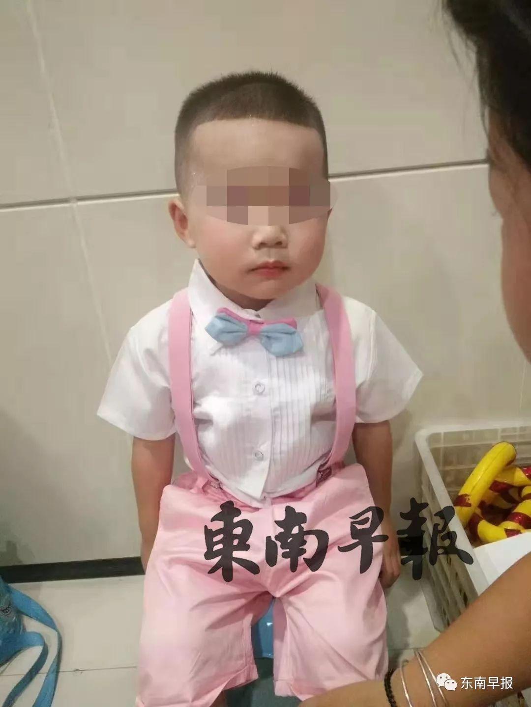 突发!泉州5岁男童疑被后妈殴打致死!亲妈的哭诉让人愤怒……