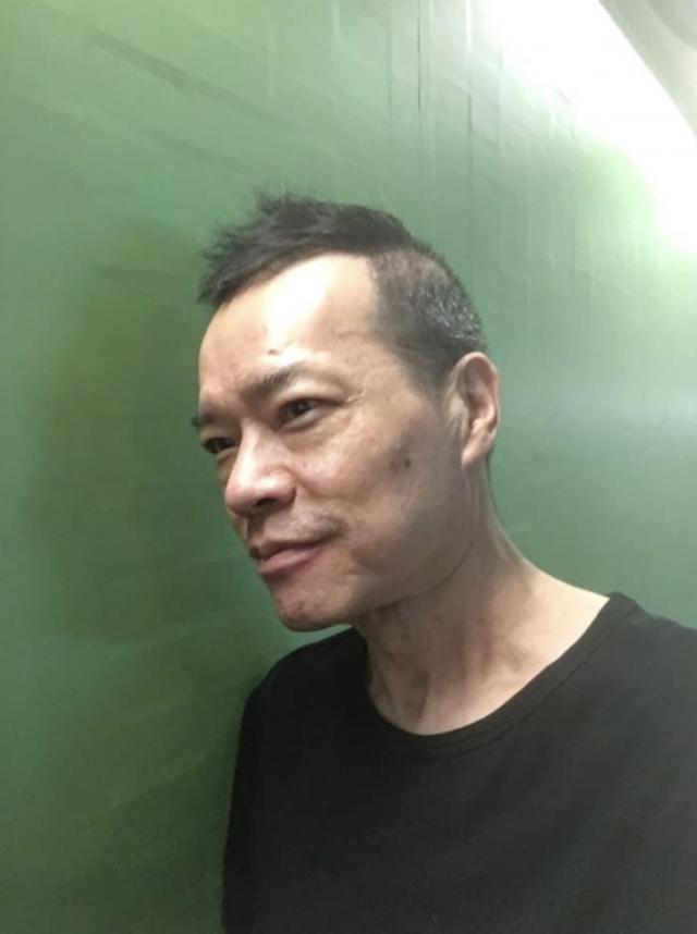 59岁香港知名DJ洪朝丰泰国剃度出家归于平静,身患两癌已淡泊名利