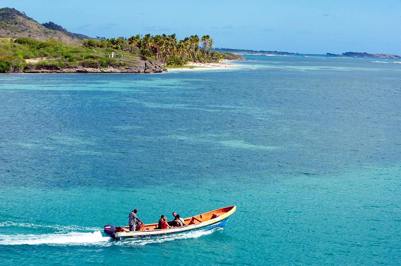一个能让人身体长高 肤白貌美的小岛走红 女游客蜂拥而至