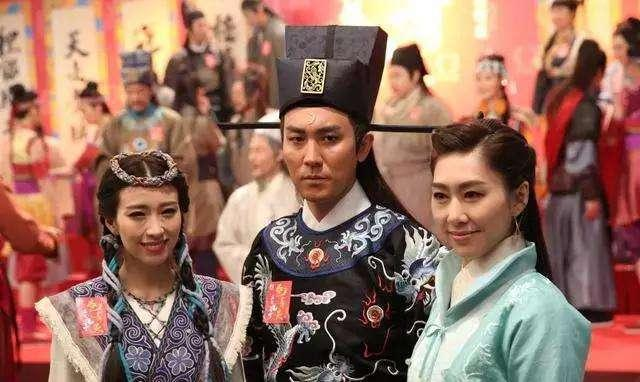 TVB视后新剧开播收视口碑不如预期 两闺蜜第一次在剧中拍对打戏
