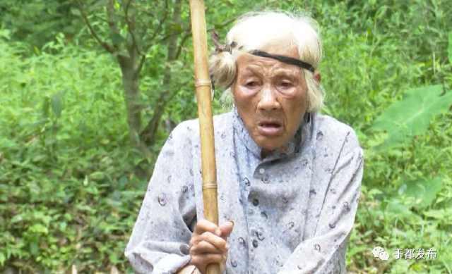子女良心何在?打开靖石乡这位老人的米缸,画面让人惊讶
