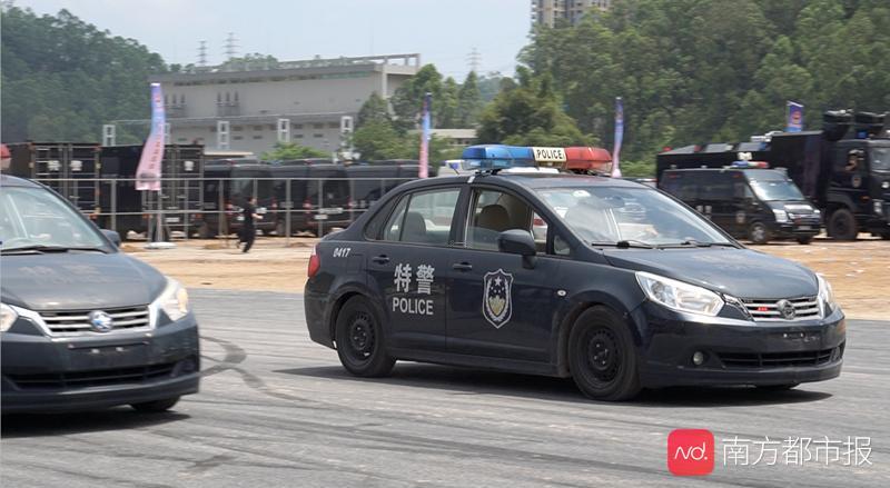 """双车对向漂移、1分钟处置突发警情!惠州警方启动""""夏季大练兵"""""""