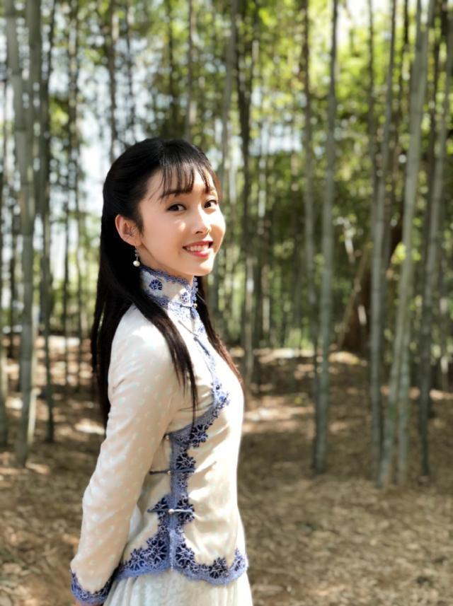 <b>《陈情令》五美旗袍装,宣璐清纯,孟子义娇俏,她神似杨幂!</b>