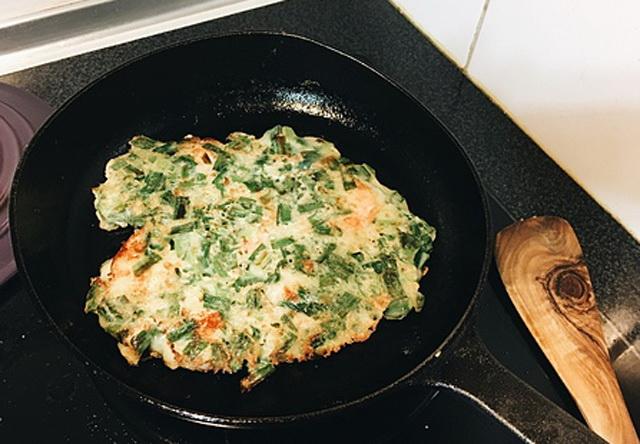 我家韭菜从来不炒鸡蛋,搭配沾酱更好吃,专治夏天没胃口