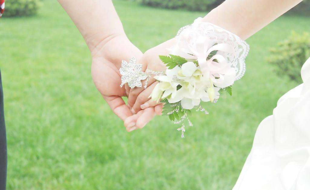 关注 降低法定婚龄,男20女18,能让年轻人早婚早育吗?
