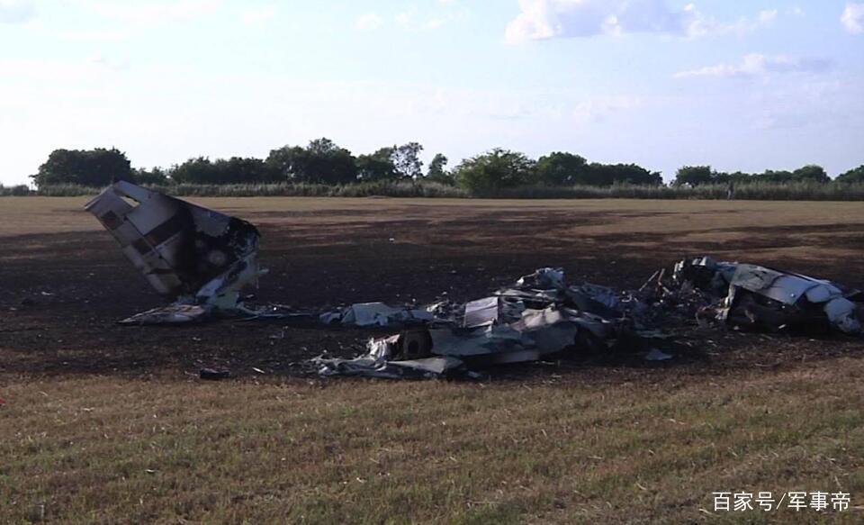 轰的一声巨响,一名中国飞行员遇难,我领馆强烈要求美国给个交代