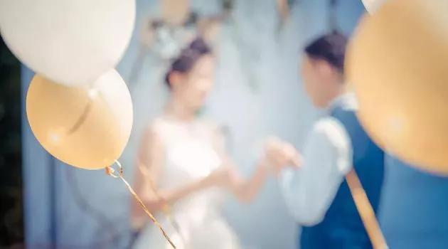 大学教授建议降低法定婚龄:男20岁、女18岁!她的四点理由,你支持吗?