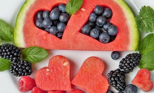 心理测试:喜欢哪一款水果拼盘?测试你一生难忘的人是谁!