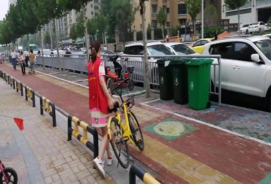 """郑州明湖办事处各社区积极开展""""绿城使者""""志愿服务活动"""