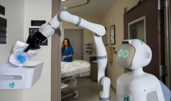 AI护士上线:病人们能接受机器人服务吗?