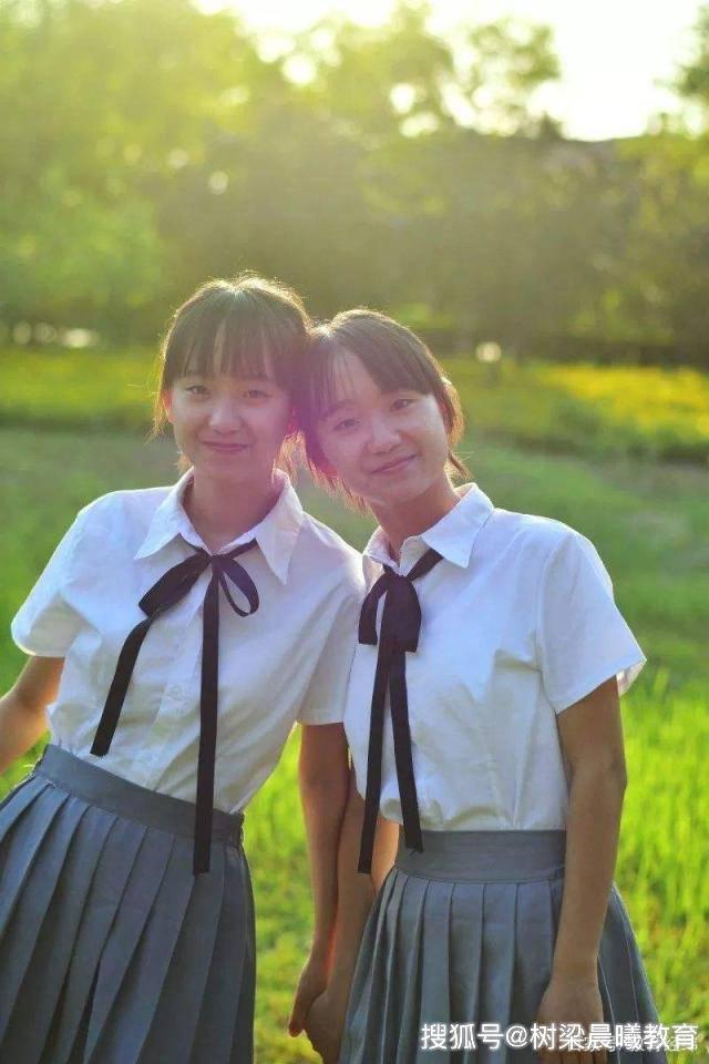 """这对双胞胎姐妹从小""""心有灵犀"""",都是学霸,高考考入同一所985"""