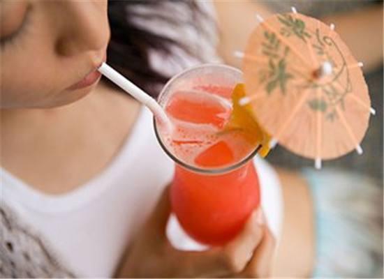夏季喝无糖饮料,就不会发胖吗?不管好坏,少吃糖是正确的选择