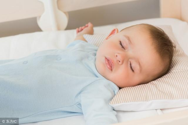 7个半月大男婴睡眠中猝死:睡觉动作也有风险,家长要注意
