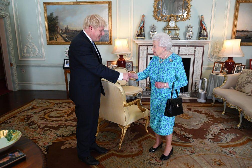 铁打的女王,流水的首相,那些年伊丽莎白女王接见的首相们