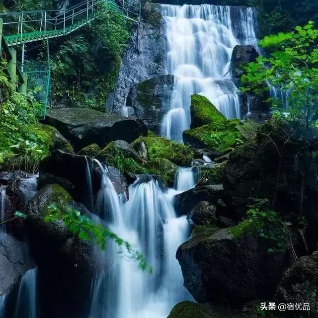 """安吉深山里的瀑布群,美成了江南""""小庐山"""
