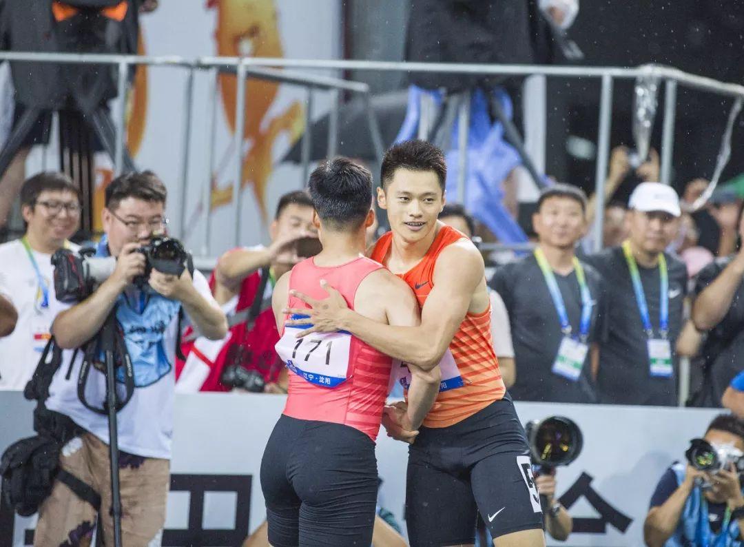 体育咖吧丨参赛名额靠选拔 中国田径战多哈