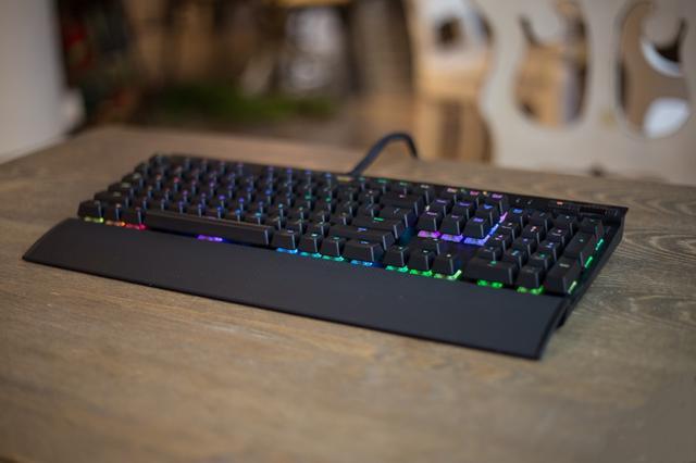 键盘的青轴黑轴这么多,怎么选到合适自己的键盘呢? (图1)