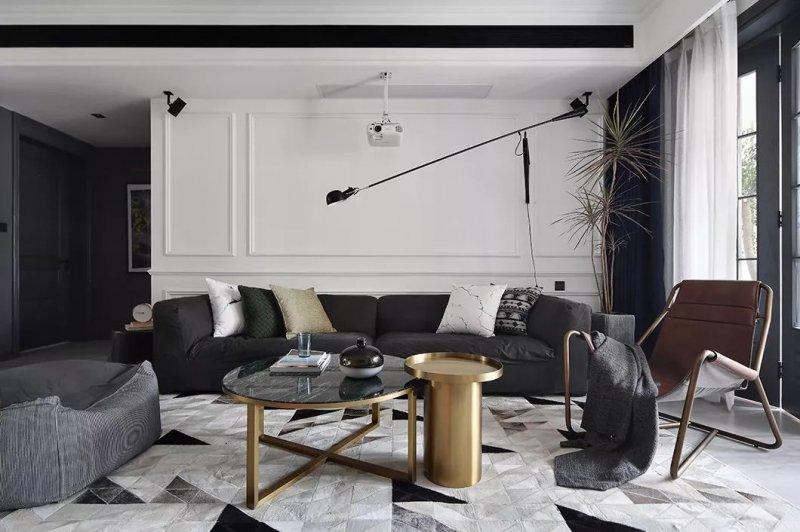 客厅空间还是以功能结合舒适性为主,整体家具选择了屋主喜爱的灰色调图片