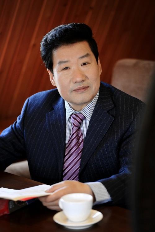 著名美术评论家刘曦林 评论刘俊京作品