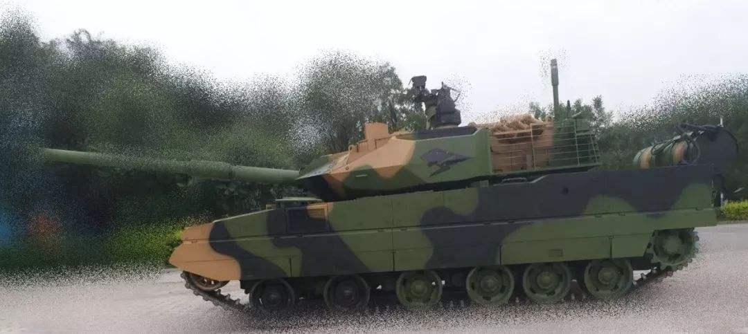 国防白皮书首提15式轻坦,身轻力猛俯仰角大,妥妥的尖兵