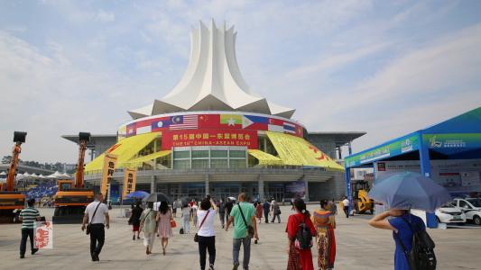 弯道超车!东盟上位成中国第二大贸易伙伴,美国降至第三