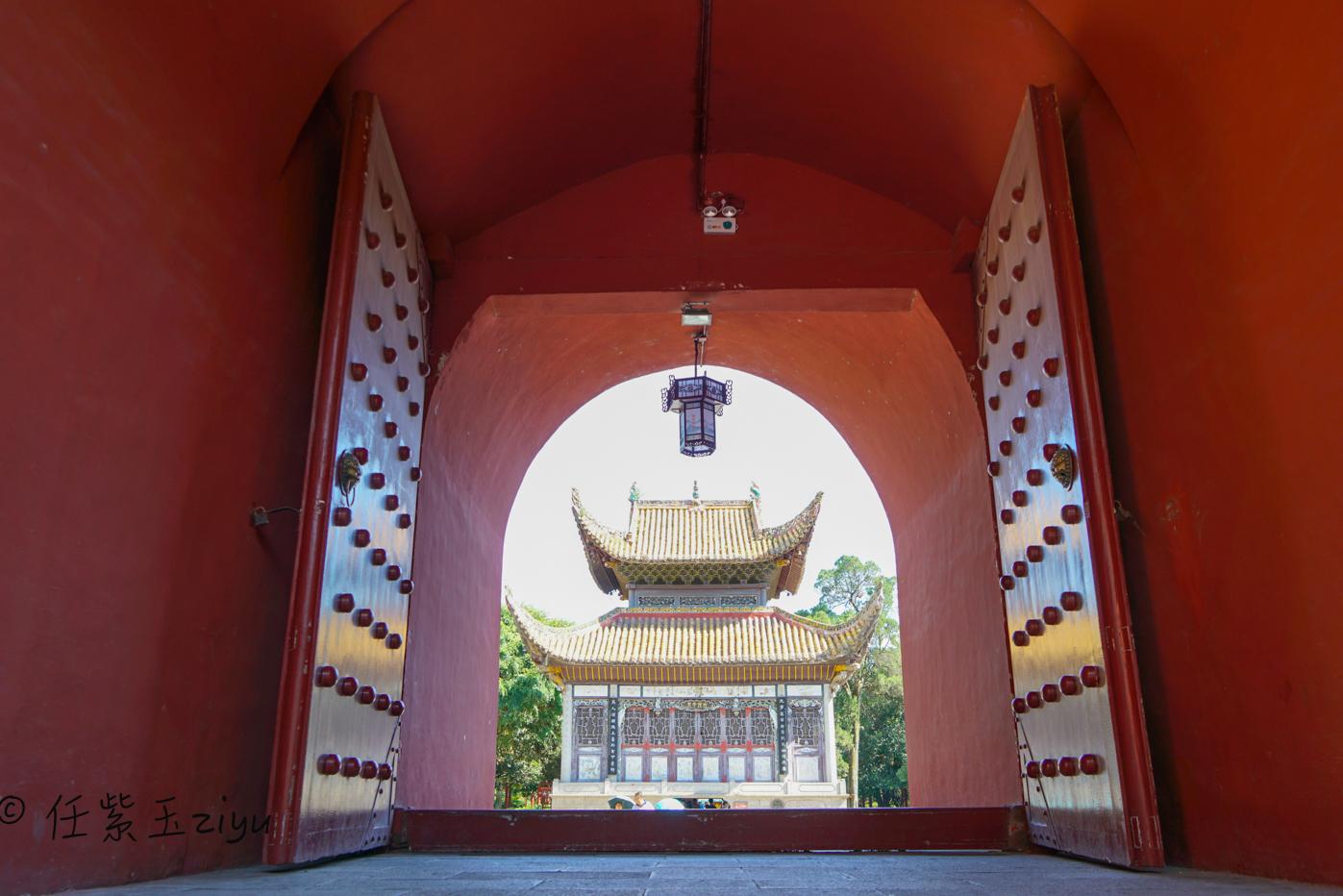 北有故宫,南有南岳,湖南南岳大庙是少有的儒、释、道三教共存的庙宇