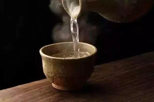 【饮食地理】中国人的体质最适合喝什么酒?