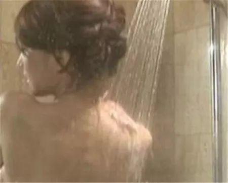<b>这样洗澡=生病+短命!尤其夏天,千万注意!</b>