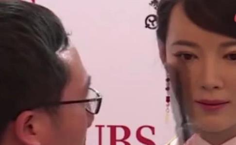 中国研发18岁美女机器人,逼真程度秒杀日本,网友:还有温度