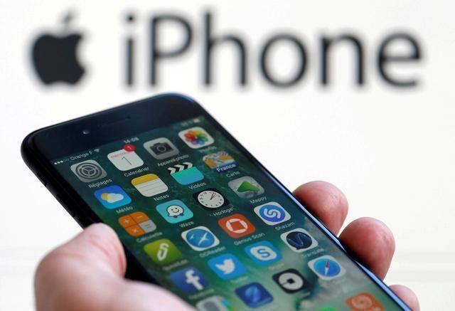 苹果真会玩,明后年iPhone大换代!