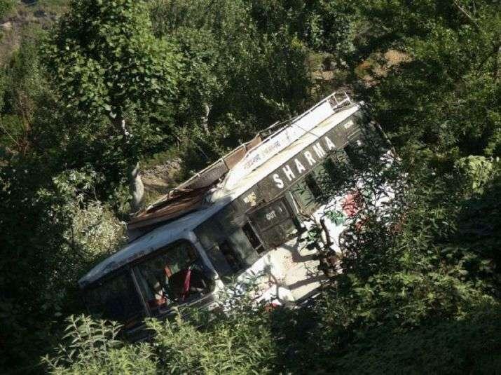 <b>印度北部一校车坠入深谷 9名学生遇难</b>
