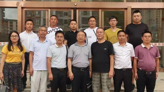 贵州省个私协秘书长王群深入凯里经济开发区个私协调研!