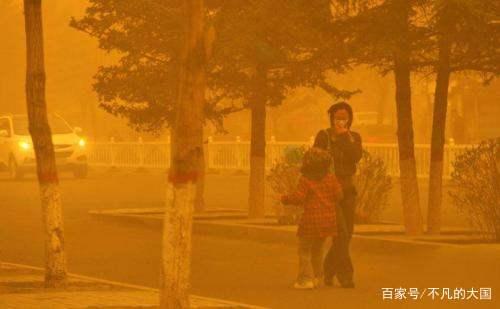 """中国发明""""吞沙巨兽"""",沙漠变绿洲?美专家表示愿重金购买"""