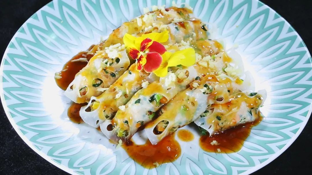 【养生厨房】今日菜谱——《玻璃酥藕卷》