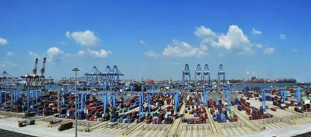 全球最大港口集团今日在青岛挂牌,董事长霍高原解密台前幕后