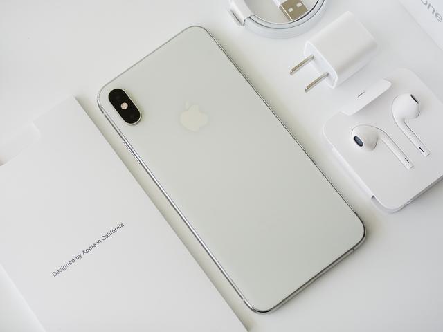 浴霸镜头加持!2019款iPhone或于9月10日发布,9月20日开启预售