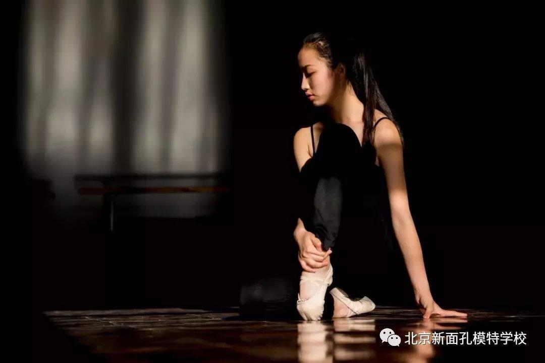 你觉得舞蹈形体塑性对于模特的重要性?