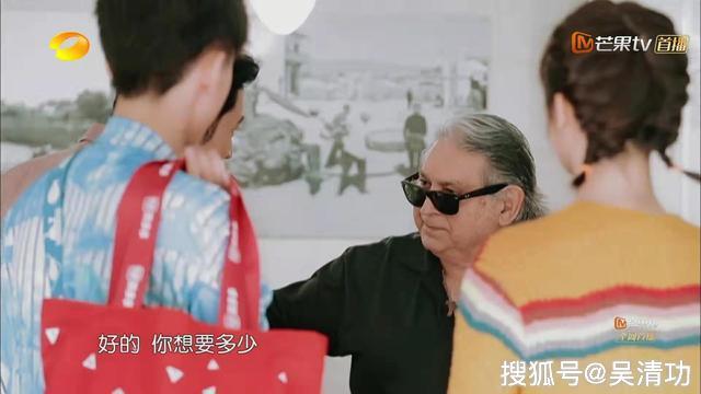 """黄晓明被意大利老板""""戏耍"""",导致预算超支,秦海璐生气独自走开"""