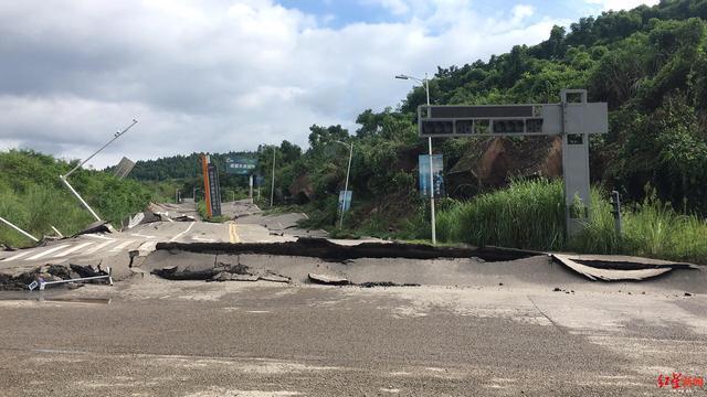 成都第二绕城高速三岔湖往成自泸段双向禁行