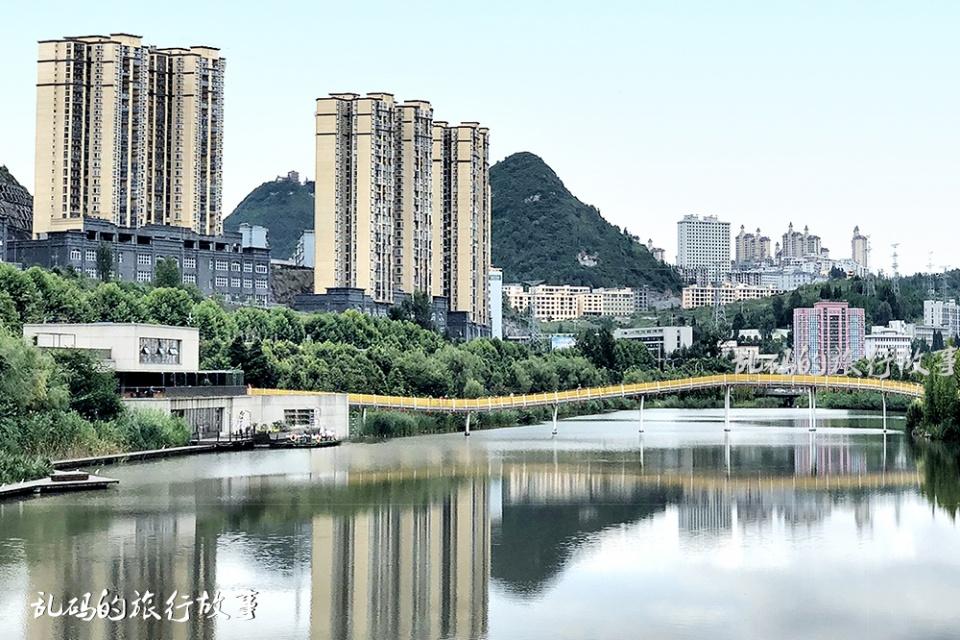 """中国最凉爽的城市 人均GDP全省第二 被誉""""中国凉都""""却仅为四线!"""
