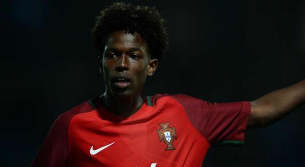 官方:曼城宣布签约葡萄牙天才 18岁妖星入豪门