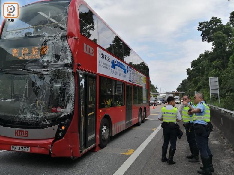 突發!香港兩巴士相撞 11人受傷